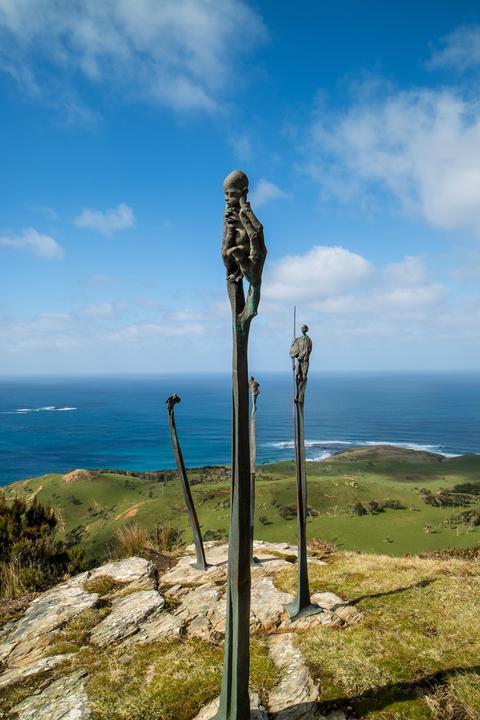 Mount Hakepa & Statues