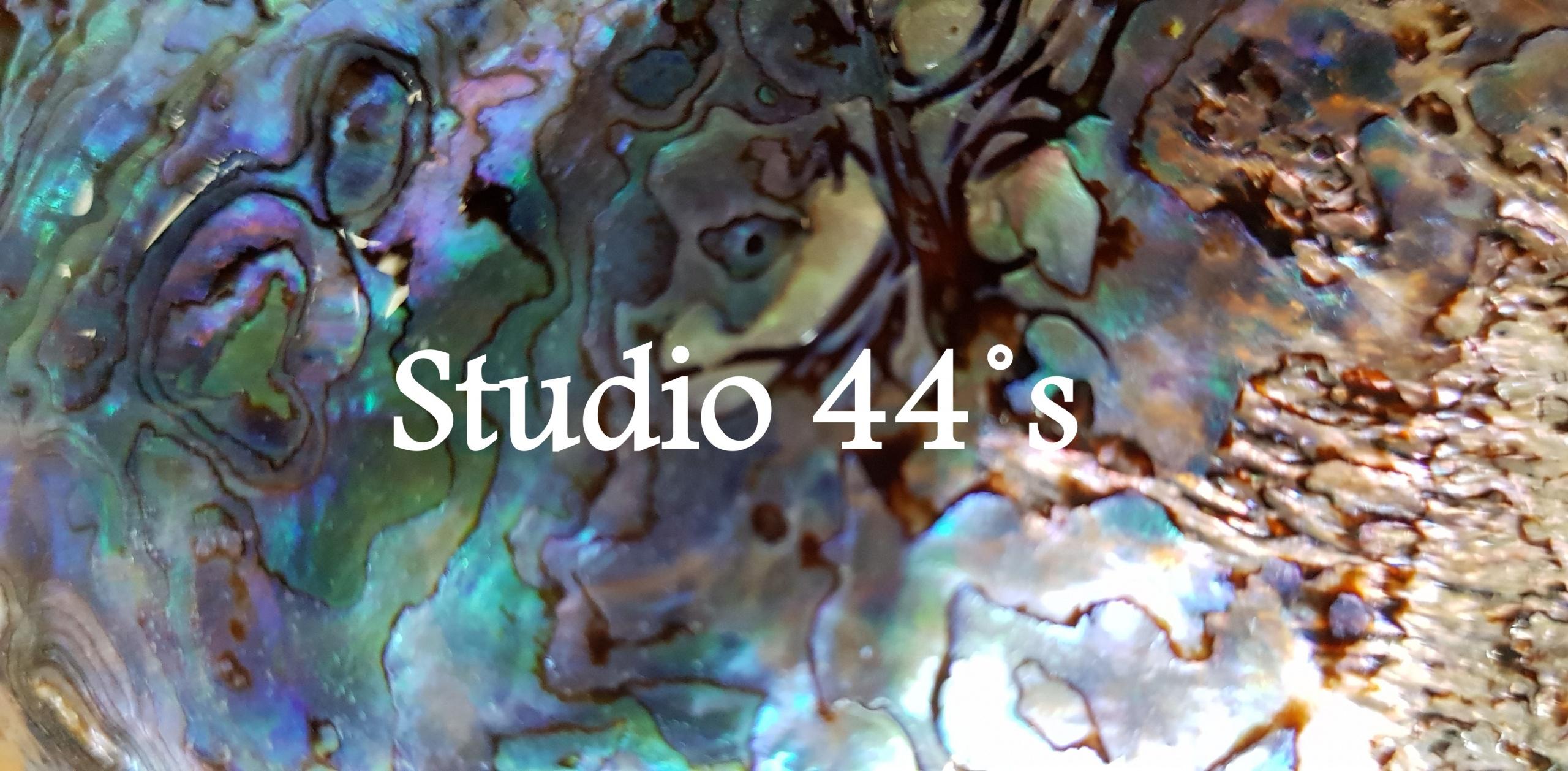 Studio 44 S